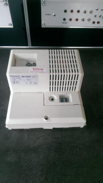 MK 2408 MK2408 240/8 kaputt Ist Ihr Dometic MK240/8 Wechselrichter defekt? Wir können den Wechselrichter für Sie reparieren. Kontaktieren Sie uns über das Kontaktformular auf unserer Website